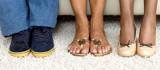3 Pairs of feet